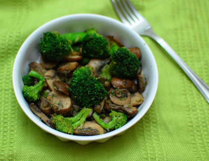 broccoli and mushroom salad 3